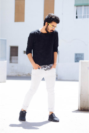 black micro fabric Zara sweater - white skinny jeans pull&bear jeans