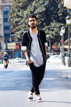 Primark t-shirt - H&M jeans - Bershka shirt - Vans sneakers