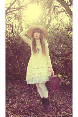 Chicwish dress - straw hat vintage from Ebay hat - vintage bag - romwe blouse