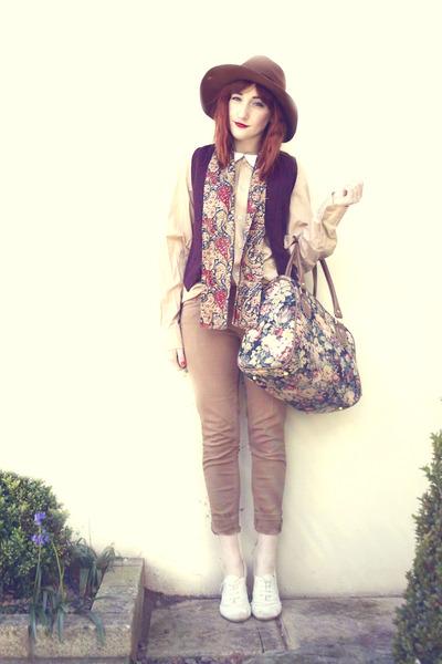 maroon vintage vest - camel thrifted vintage jeans - bronze thrifted vintage hat