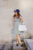 navy stripes Orsay dress - navy Stradivarius hat - white tote Orsay bag