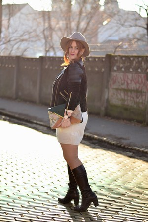 brown Benvenuti boots - ivory knitted H&M dress - camel H&M hat