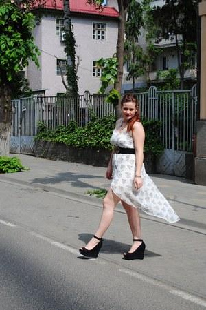 black new look belt - white lionheads H&M dress - black Kittens wedges