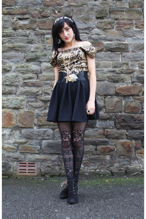 gold new look accessories - black new look boots - black Claires tights