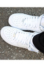 White-thrifted-hat-black-h-m-pants-black-h-m-top-white-nike-sneakers