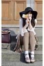 Black-topshop-hat-camel-new-look-leggings-carrot-orange-fossil-scarf