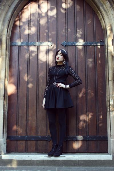 black victorian boots Newlook boots - black black lace Newlook top