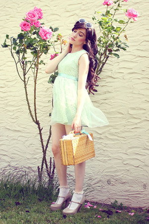 light blue beckybwardrobe dress - nude picnic basket thrifted bag