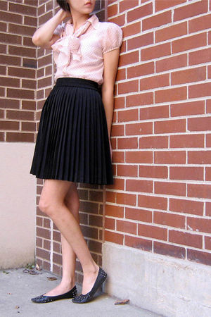pink H&M blouse - black skirt - black shoes