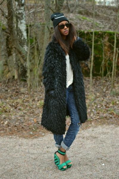 thrifted coat - Zara jeans - beanie Monki hat - Aula Aila heels