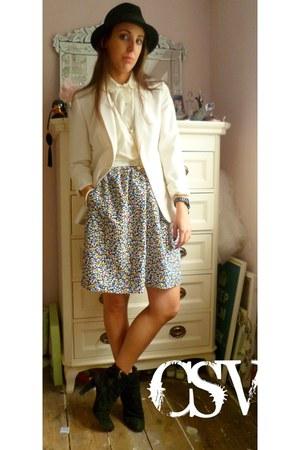 floral vintage skirt - Bebe boots - trilby Topshop hat - cream vintage blazer