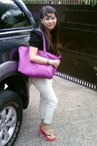 Lacoste bag - Juicy Couture shoes - American Eagle jeans - Red blouse