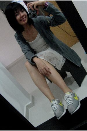 gray E-spirit cardigan - beige Phenomenal dress - silver nike shoes