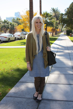 olive green banana republic cardigan - blue Levis dress - black coach purse