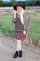 crimson wool LuLus hat - black faux leather LuLus boots