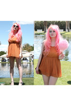 light orange pleats H&M dress - bubble gum flower flower crown accessories