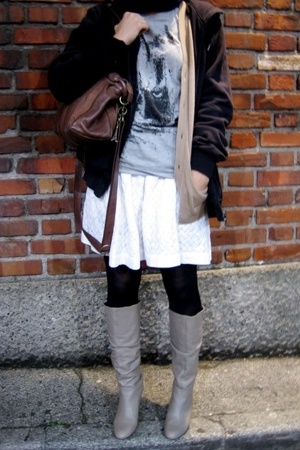 t-shirt - Topshop skirt - Uniqlo vest - Zara shoes - -