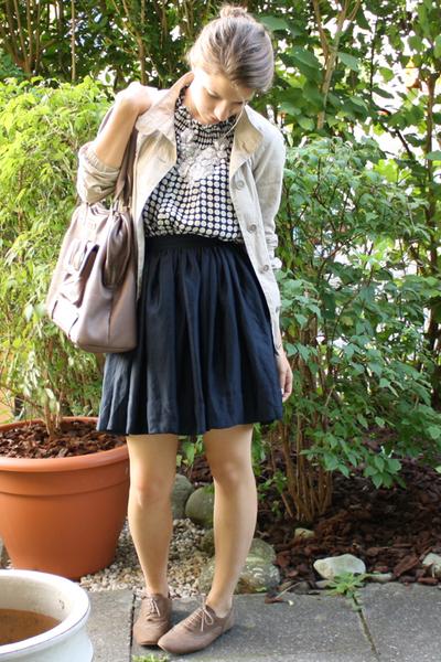 Uniqlo jacket - Zara blouse - H&M Trend skirt - accessories - Massimo Dutti shoe