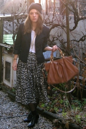 American Apparel t-shirt - blazer - ShopLushcom purse - shoes - H&M Trend skirt