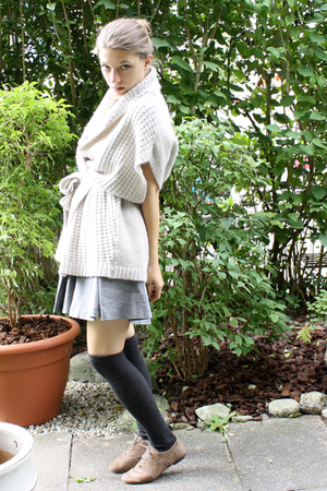 H&M vest - socks - H&M Trend skirt - blouse - Massimo Dutti shoes