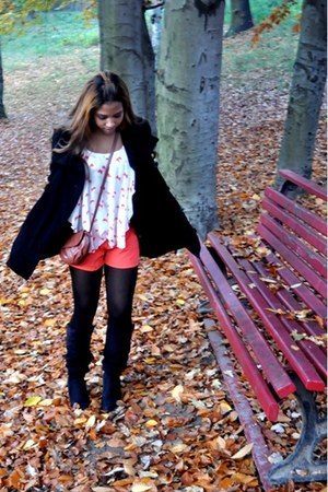 carrot orange H&M shorts - black Steve Madden boots - black Vero Moda coat