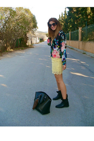 Zara skirt - Zara boots - H&amp;M shirt - Zara bag - Prada glasses