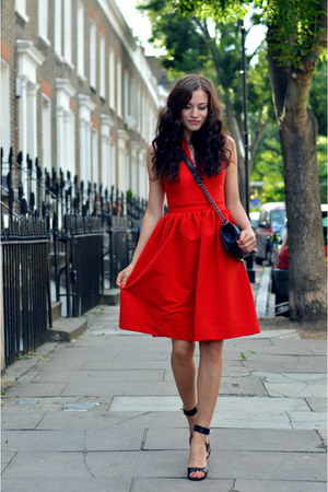 red preen dress - black flapcalf skin Chanel bag