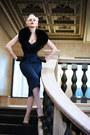 Blue-wool-tara-starlet-dress-black-satin-vintage-gloves