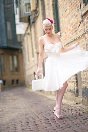 white wicker vintage bag - white cotton unique vintage dress