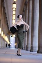 black bustier Atelier Jensen top - army green wool Atelier Jensen skirt
