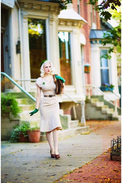 beige unique vintage dress - green Lady Jane Vintage hat