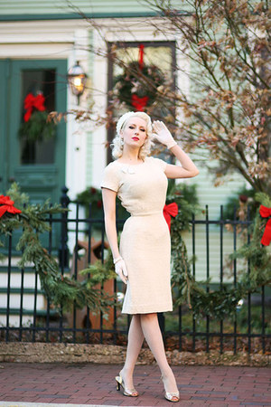 ivory knit unique vintage dress - ivory pillbox White Purls hat