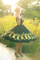 yellow The Pretty Dress Company dress - yellow Niccoco Creations accessories