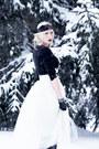 Ivory-tulle-shabby-apple-skirt-black-lace-lorraine-tyne-accessories