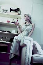 ivory silk Maddy James intimate - ivory pearls vintage bracelet