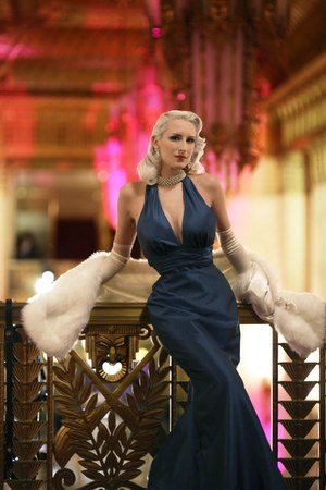 navy Belle Vie dress - white Buccellati accessories