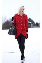 red military sammydress coat - black faux leather olivia & joy bag