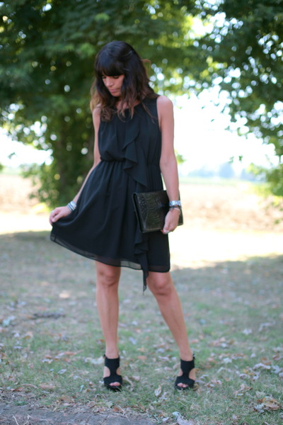 black H&M dress - black vintage bag - black silk sandals