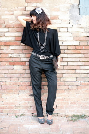 black ChiccaStyle top - periwinkle cinti shoes - black vintage bag