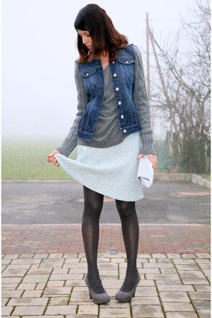 gray suede platform Janet&Janet shoes - gray jeans and wool ChiccaStyle jacket -