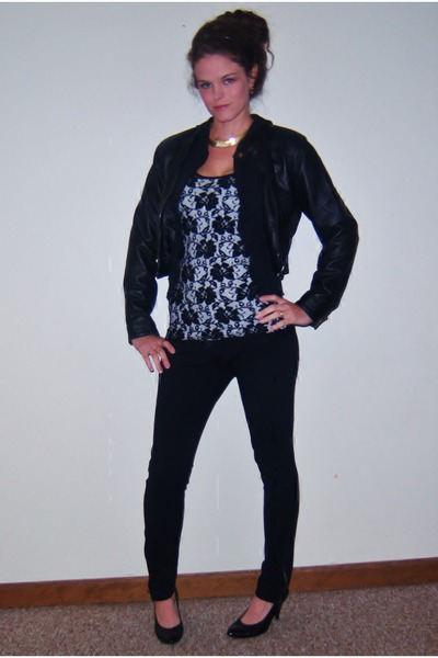 black lace tank top Kimchi Blue shirt - white rayon tank top Rampage shirt