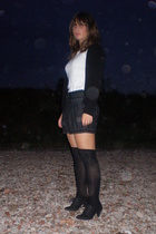 Zara jacket - Zara shorts - Oysho socks - Zara shoes