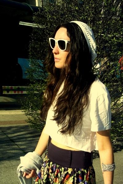 Ray Ban sunglasses - t-shirt - Mango skirt - shoes