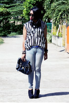Betty top - Levis jeans - Parisian bag - Forever 21 wedges