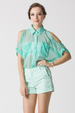 100 polyester Chicwish shirt