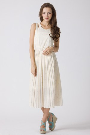 100 polyester Chicwish dress