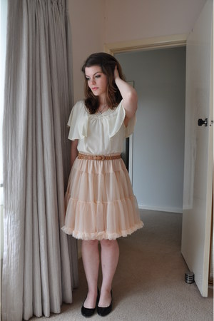 light pink ruffled American Apparel skirt - off white frill Country Road blouse