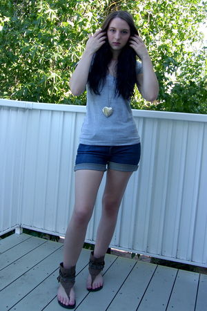 gray Wetseal shirt - silver Forever21 necklace - blue calvin klein jeans - beige