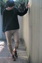 brown shoes - black H&M sweater - beige pants