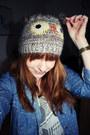Blue-pull-bear-shirt-white-famous-stars-straps-shirt-camel-primark-hat